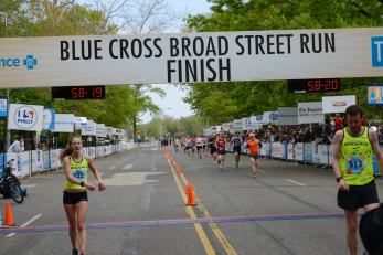 broad-street-run-finish